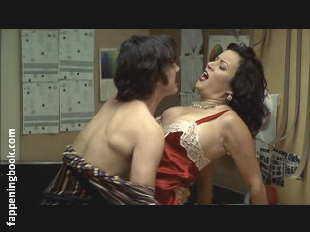 Nude pictures of jennifer tilly