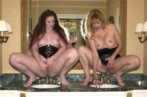 Mom daughter pissing nude