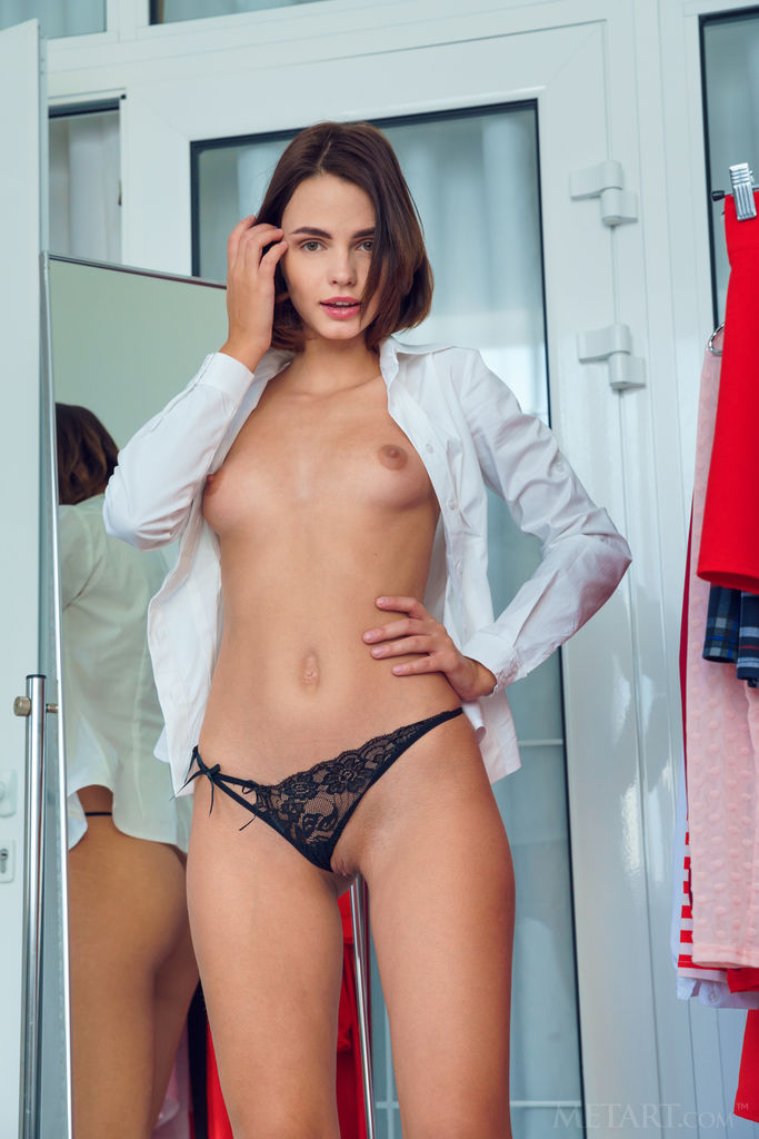 Lilit a nude