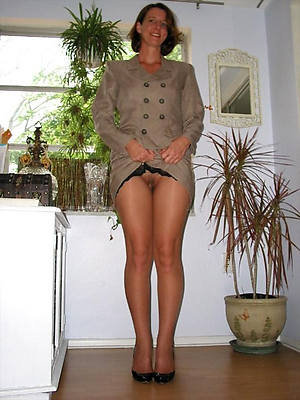 Mature nude housewives